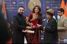 ہندوستان کے سابق صدر پرنب مکھرجی نے  شلپا شیٹی کو Champions of Change  ایوارڈ سے نوازا
