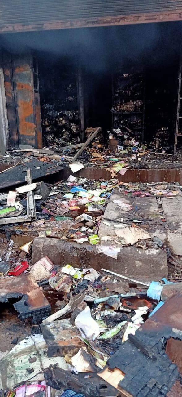 فائربریگیڈکی گاڑی آدھے گھنٹے کےبعدموقع پر پہنچی، لیکن تب تک سب کچھ جل کر راکھ ہوچکا تھا۔