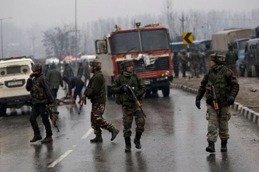 جموں وکشمیر: پلوامہ حملہ آورکا بھائی گرفتار، جیش محمد دہشت گردوں کو پہنچاتا تھا وادی