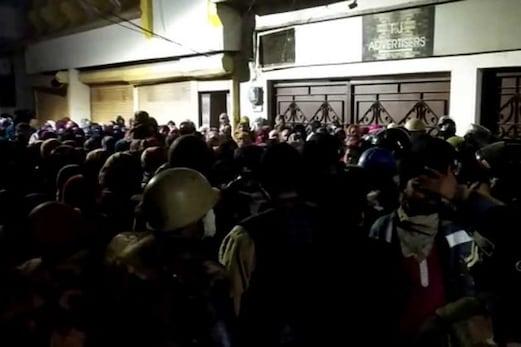 لکھنؤ،میرٹھ،اعظم گڑھ کے بعداب کانپورمیں اترپردیش پولیس کی بربریت،احتجاجیوں پرلاٹھی چارج