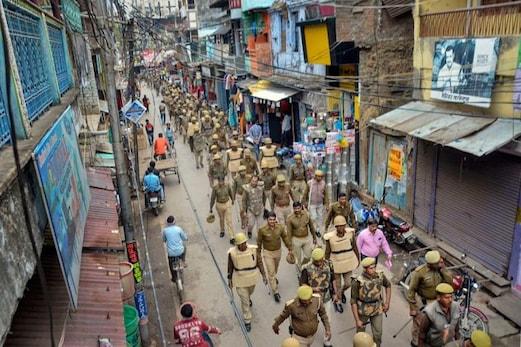 شمال مشرقی دہلی تشدد:1مکان،16مسلمان اوردروازے پرشرپسندعناصرپھر۔۔؟؟