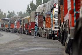 کشمیر:خراب موسمی حالات کے باعث قومی شاہراہ پرآمدورفت متاثر،محکمہ موسمیات نے کہی یہ بات