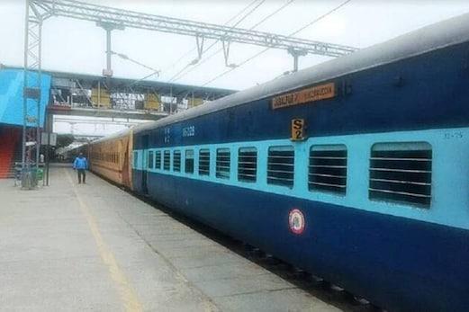 ریلوے نے آج منسوخ کی 500 سے زیادہ ٹرینیں، گھر سے نکلنے سے پہلے چیک کر لیں لسٹ