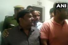 دہلی تشدد: کورٹ میں سرینڈر کرنے پہنچے طاہر حسین، پولیس نے کیا گرفتار