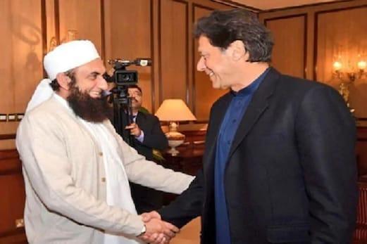 وزیر اعظم عمران خان کی موجودگی میں بولے مولانا۔ خواتین کے چھوٹے کپڑے پہننے کی سزا ہے کورونا