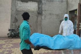 ہندوبیٹے کا باپ کی لاش کوہاتھ لگانے سےانکار، مسلم نوجوانوں نےاداکی ہندوبزرگ کی آخری رسوم