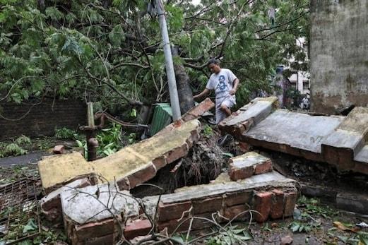 امفان طوفان: مغربی بنگال میں 72 لوگوں کی موت، وزیر اعظم مودی کی ہرممکن مدد کرنے کی یقین دہانی، ممتا بنرجی نے کیا یہ اعلان