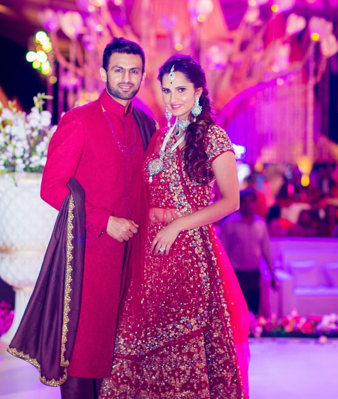 اس سے قبل 12 اپریل 2020 کو اپنی شادی کی 10 ویں سالگرہ کے موقع پر شعیب ملک اور ثانیہ مرزا نے سوشل میڈیا پر ایک دوسرے کے لئے دلی نیک خواہشات پوسٹ کی تھیں۔