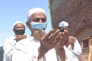 مسجدوں میں عید الفطر کی نماز ادا کرنے لئے نہ بنایا جائے دباؤ