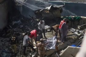 پاکستان : طیارہ حادثہ کا آخری خوفناک لمحہ ، جب پائلٹ نے کہا : دونوں انجن کام نہیں کررہے