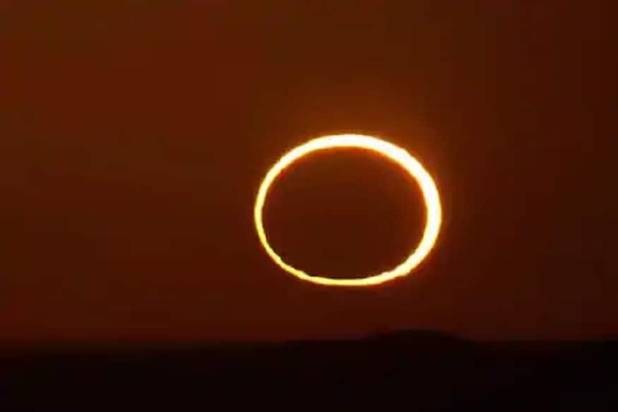 اس سے قبل آخری بار سورج گرہن 26 دسمبر 2019 کو جنوبی ہندوستان سے اور ملک کے مختلف حصوں سے جزوی گرہن کے طور پر دیکھا گیا تھا۔