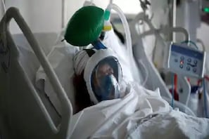 کورونا مریض نے موت سے پہلے بنایا ویڈیو، بولا۔ سانس نہیں لے پا رہا ڈیڈی، پھر...