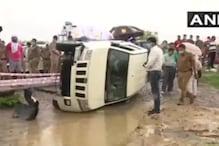 Vikas Dubey Encounter : پہلے پولیس نے کہا : بارش کی وجہ سے پلٹی گاڑی ، اب کہی یہ بات