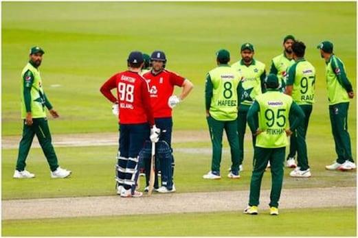 PAK vs ENG T20: شعیب ملک کے میدان پر اترتے ہی عمران خان - میانداد کے ریکارڈ ٹوٹ گئے