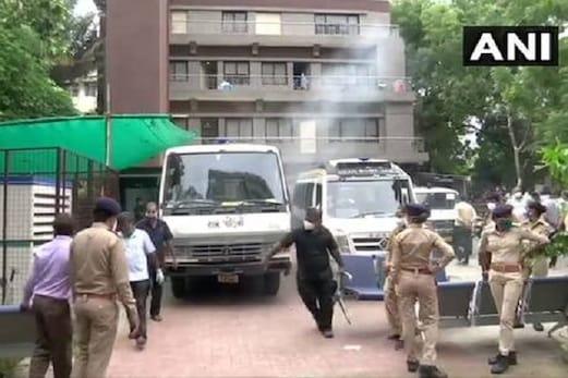 گجرات: احمد آباد کے کورونا اسپتال میں آگ، 8 مریضوں کی موت