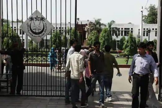 تنازعات کے درمیان جامعہ ملیہ اسلامیہ کی تعلیمی میدان میں پیش قدمی جاری