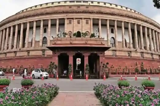 پارلیمنٹ کی انیکسی بلڈنگ میں لگی آگ پر پایا گیا قابو، فی الحال کوئی جانی ومالی نقصان نہیں
