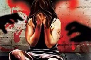 شرمناک! پولیس گیسٹ ہاوس میں نابالغ لڑکی کی آبروریزی، پہلے ASI اور پھر دو نوجوان بنے حیوان