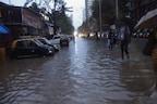 ممبئی میں بارش نے ڈھایا قہر: BMC نے دفتروں کی چھٹی کی، گھروں کی پہلی منزل تک بھرا پانی۔۔۔