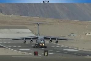 چین۔پاکستان سےدونوں محاذوں پرنمٹنے کو تیار ہندستانی فضائیہ، سرحد پرجنگی طیاروں نےبھری اڑان
