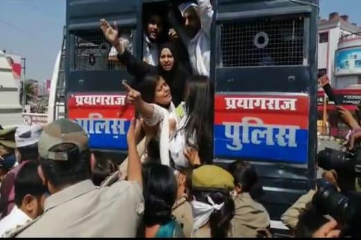 ہاتھرس اجتماعی آبروریزی: مسلم خواتین کے احتجاجی مظاہرے کے دوران پولیس سے جھڑپ