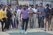 مشہور کرکٹر سریش رینا جموں و کشمیر میں سنوار رہے ہیں کرکٹ کامیدان