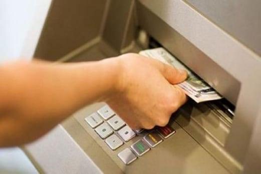 ATM Banking:اے ٹی ایم ٹرانزیکشن میں ناکامی کےلئےبینک وصول کرتاہے اتنی رقم،کیاآپ جانتے ہیں؟حل کیاہے؟