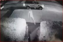 گاڑی چراکر بھاگ رہا تھا چور، گرل فرینڈ نے بوائے فرینڈ کے ساتھ بغیر کپڑوں کے لگا دی دوڑ