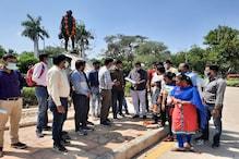 مدھیہ پردیش: کورونا قہر میں ملازمین پر ٹوٹا قہر، بغیر نوٹس کے دکھایا گیا باہر کا راستہ