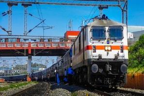 عام بجٹ2021:ریلوے کے لئے1.1لاکھ کروڑ روپے فراہم کرنے کااعلان،ان شہروں میں چلے گی میٹرو ریل