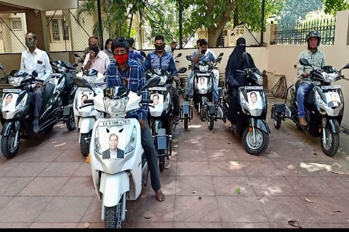 سابق مرکزی وزیر کے رحمن خان کی کوشش سے شہر کے 19 معذور افراد کو موٹر سائیکل کا تحفہ ملا ہے۔ اس سہولت کے ملنے کے بعد معذور افراد کے چہرے خوش سے کھل اٹھے۔