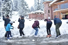 جموں وکشمیر: گلمرگ میں برفباری کا لطف لے رہے ہیں سیاح، سیاحوں کوکشمیر آنےکی کر رہے ہیں اپیل