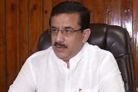 کشمیر: بی جے پی کا وسیم رضوی کے خلاف احتجاج، پھانسی دینے کا مطالبہ