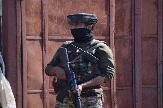 جموں۔کشمیر: بارہمولہ کے سوپور میں دہشت گردوں نے بنایا سی آر پی ایف کو نشانہ، پھینکا گرینیڈ