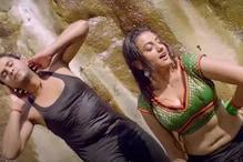 اداکارہ اکشرا سنگھ کے بولڈ انداز نے مچایا ہنگامہ، 4 کروڑ سے زیادہ مرتبہ دیکھا گیا یہ ویڈیو