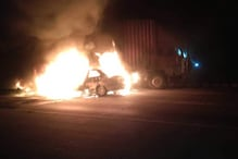 آگرہ ایکسپریس وے پر ٹرک سے تصادم کے بعد کار میں لگی آگ، سبھی 5 لوگوں کی جل کر موت