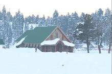 سیاحتی مقام گلمرگ میں کرسمس کی تیاریاں مکمل، ملک بھر سے سیاحوں کی آمد کا سلسلہ جاری