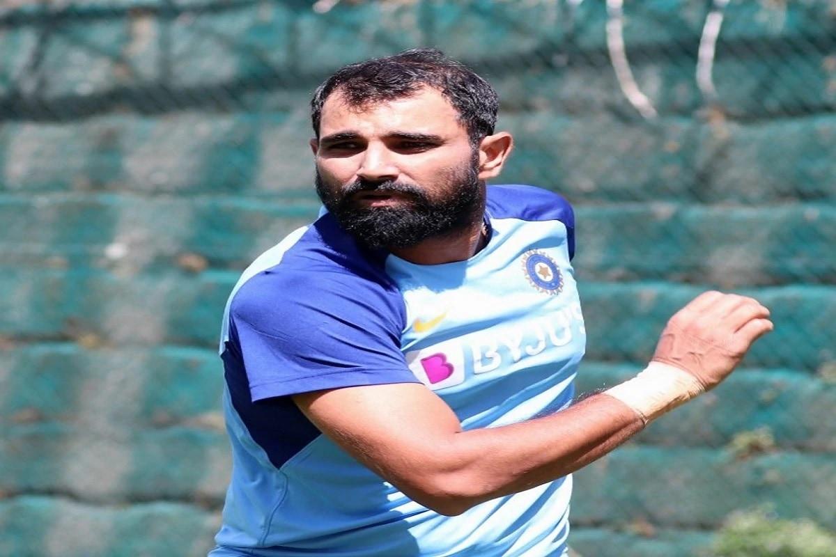 رپورٹ کے مطابق ہندوستانی تیز گیند باز محمد شمی کا آسٹریلیا کے خلاف ٹسٹ سیریز کے باقی میچوں میں کھیلنا مشکوک ہوگیا ہے۔ تصویر: انسٹا گرام