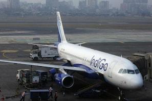کووڈ19 وبا کے درمیان ایئر لائن IndiGo کو تیسری سہ ماہی میں 620 کروڑ روپے کا نقصان