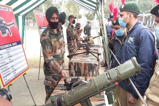 میرٹھ: ہتھیاروں کی نمائش کے ذریعہ فوج کی طاقت سے روبرو کرانے کی کوشش