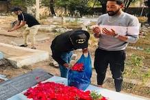 محمد سراج کی حیدرآباد میں آمد، والد کی قبر پر دی حاضری، تصویر ہوئی وائرل