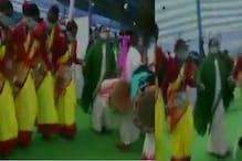 شادی میں وزیر اعلی ممتا بنرجی نے بھری محفل میں کیا ڈانس، دیکھتے رہ گئے لوگ