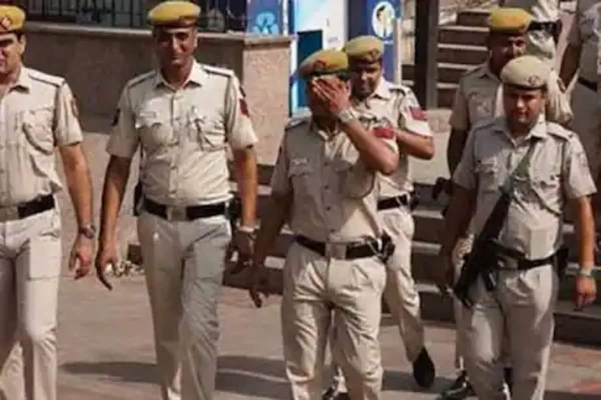 دہلی پولیس کا کہنا ہے کہ قتل ہریانہ میں ہوا اور ملزم نے کالندی کنج پولیس اسٹیشن میں اپنے آپ کو سرینڈرکردیا ہے۔ اس کی وجہ سے ملزم کو تہاڑ جیل بھیج دیا گیا ہے۔ فائل فوٹو