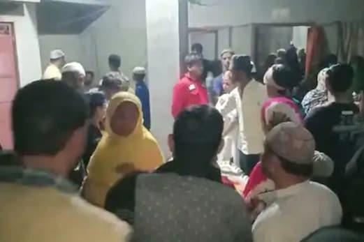 دردناک حادثہ : شب برات کے موقع پر نماز ادا کررہے بچوں پر گرا مسجد کا پلر ، دو کی موت ، ایک کی حالت سنگین