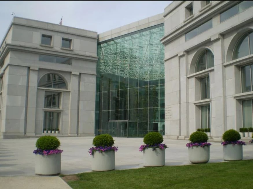 امریکہ کے فیڈرل جسٹس سینٹر کی عمارت کی تصویر ۔ کریڈٹ : وکی کامنس ۔
