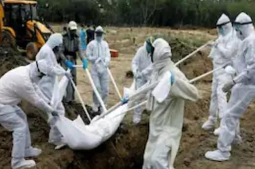 موت کے بعد ندی میں بہائی جارہی ہیں کورونا متاثرین کی لاشیں ؟ گنگا میں تیرتی نظر آئیں 40۔45 لاشیں