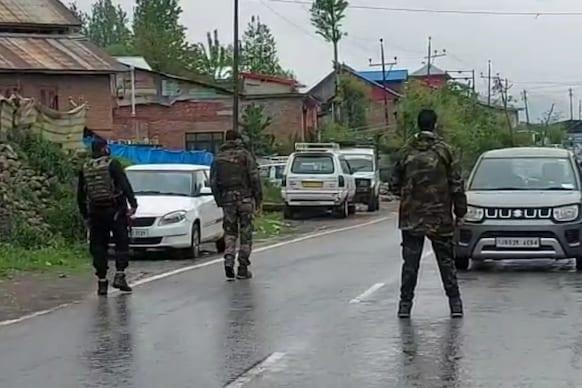 جموں و کشمیر : انکاونٹر میں تین دہشت گرد ہلاک ، اسلحہ و گولہ بارود بھی برآمد