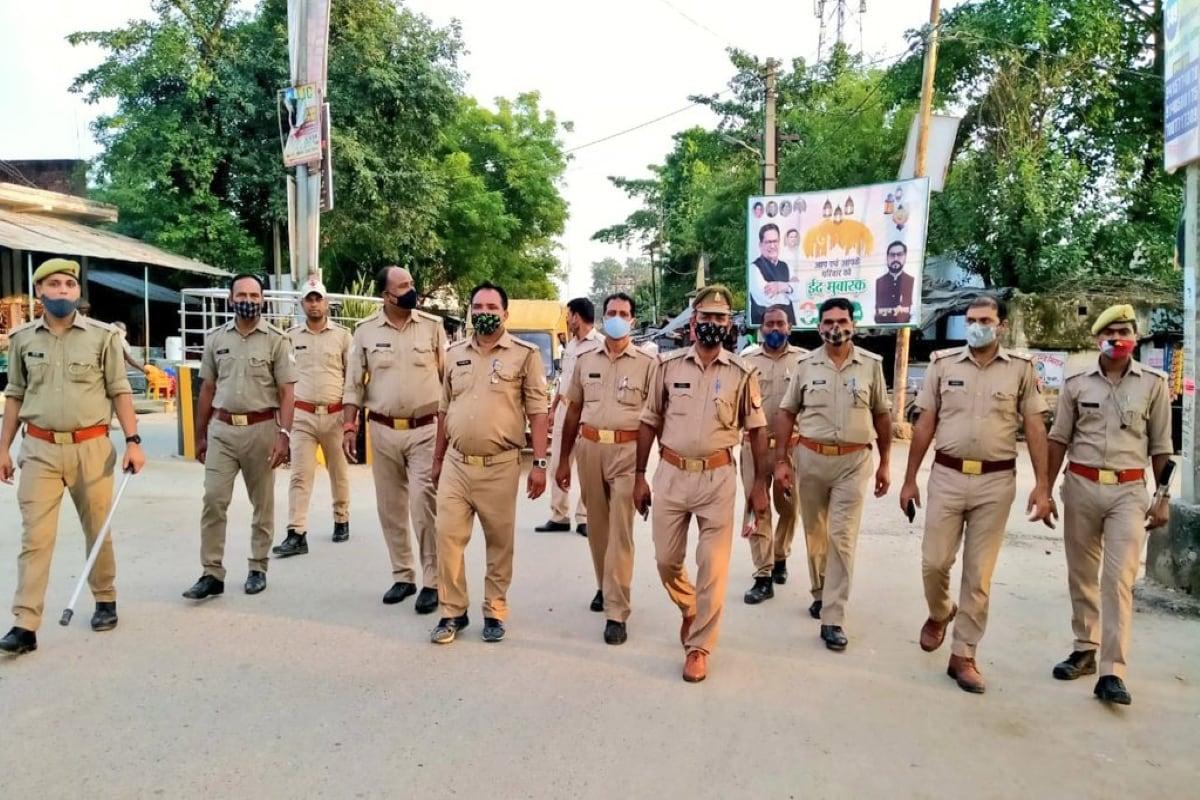 بارہ بنکی پولیس۔(تصویر:ٹویٹر)۔