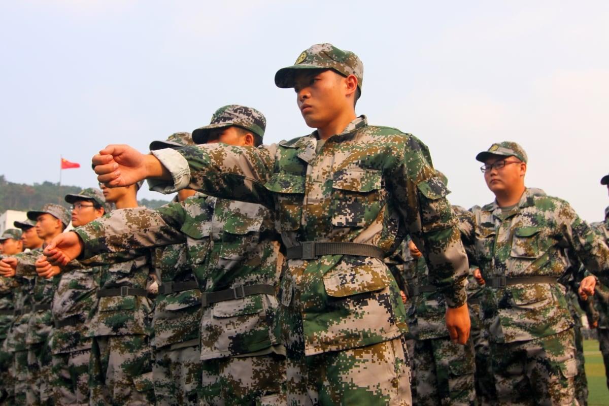 چینی فوج کی فائل فوٹو۔(Shutterstock)-