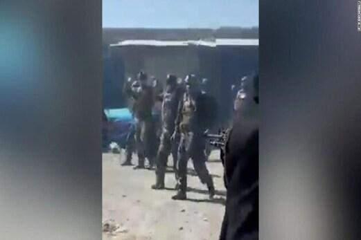 طالبان نے خودسپردگی کررہے 22 افغان کمانڈو کا کیا قتل عام ، وائرل ہورہا یہ ویڈیو